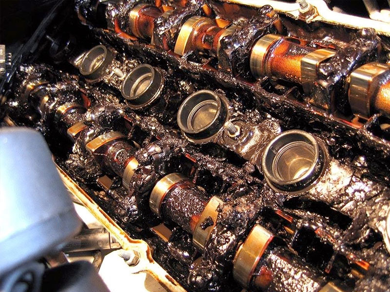 Oil change service tempe az bullitt automotive for Can you switch from regular motor oil to synthetic